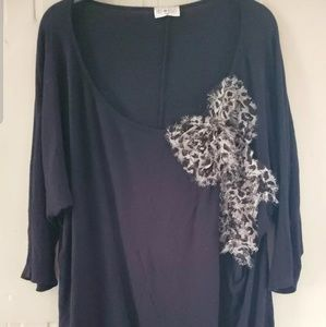 Woman's Free Kisses Shirt with Leopard Print 3X